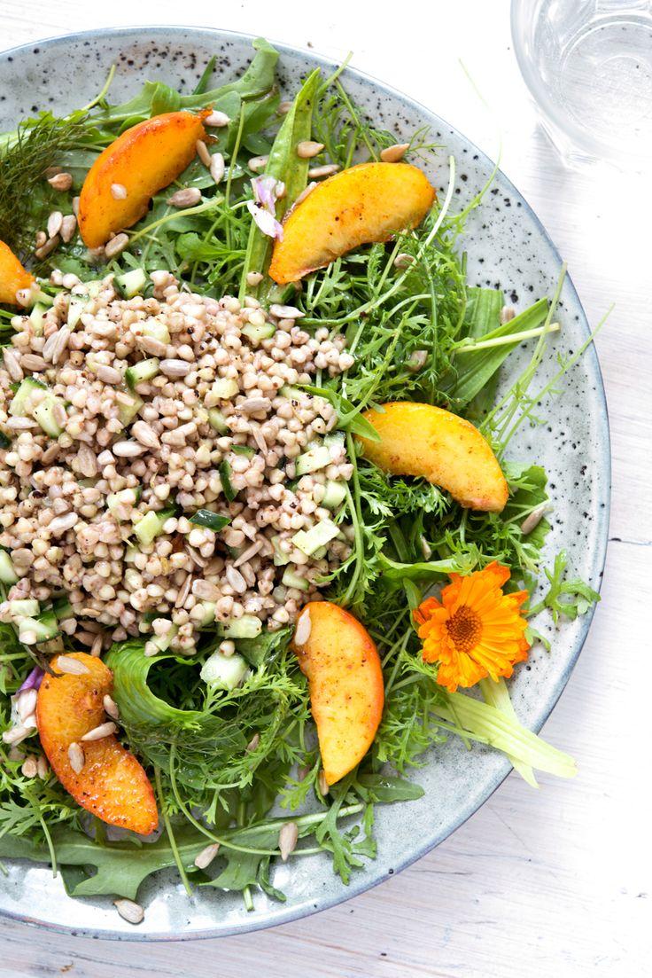 Wildkräuter, vegan, pflanzenbasiert, gesund, Nährwerte, Rezept, kochen, homemade, ganzheitlich, Buchweizen, Rucola, Pfirsich