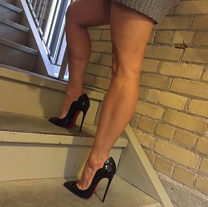 красивые коленки у моей тети-видео фото - 6