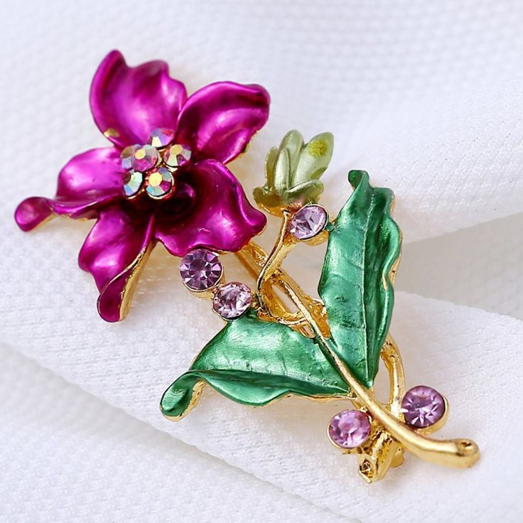 Lily flower Brooches wedding jewelry for bride gold plated white brooches decoration jewelry Clothes pins for party accessories