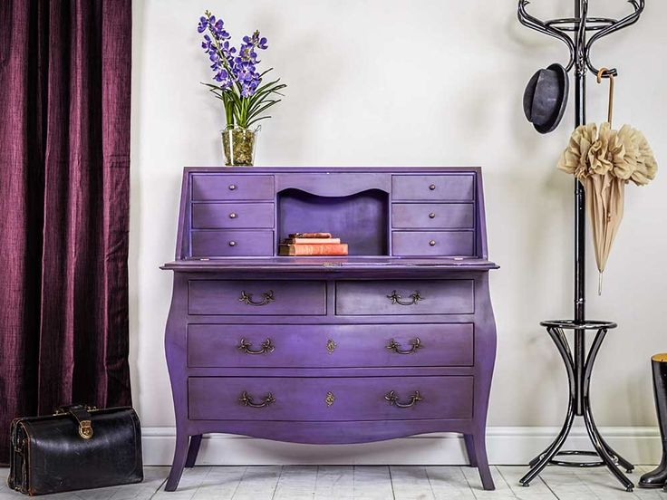 The Shelley Bureau is ideal for ample storage needs. Bringing together traditional design with bold colour finishes.