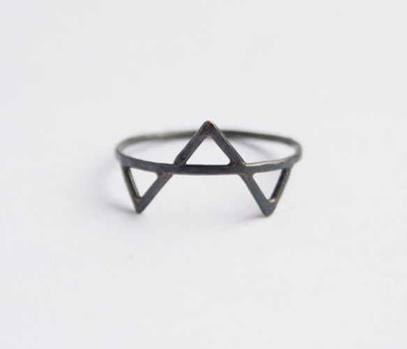 Three Spikes Ring