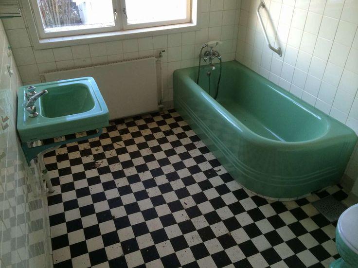 FINN – Retro mintgrønt badekar, servant og toalett