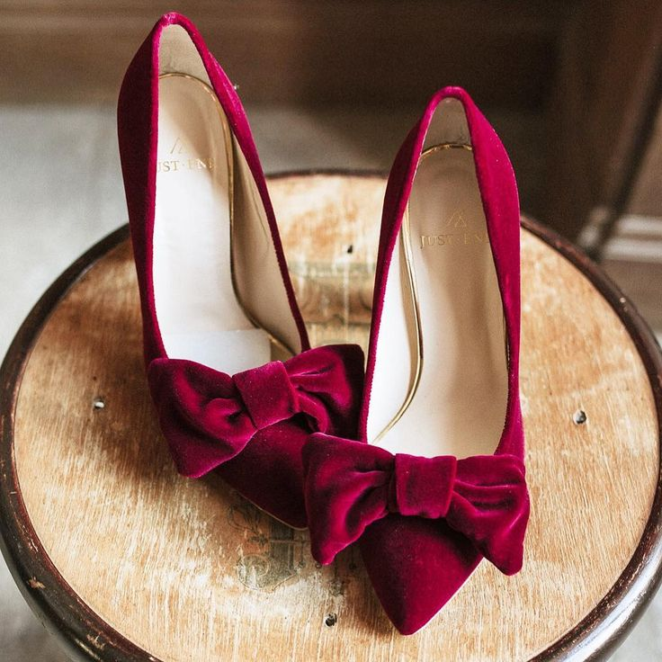 красивая пара туфель фото она