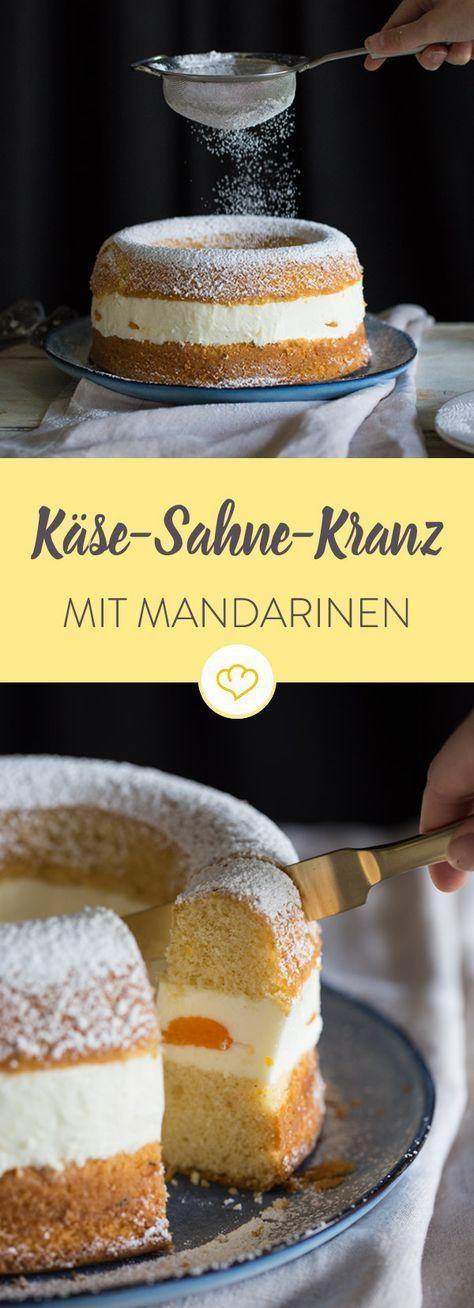 Dieser Käse-Sahne-Kranz schlägt zwei Fliegen mit einer Klappe: Du entstaubst deine Frankfurter-Kranz-Form und hast eine leichtere Alternative zum Klassiker.