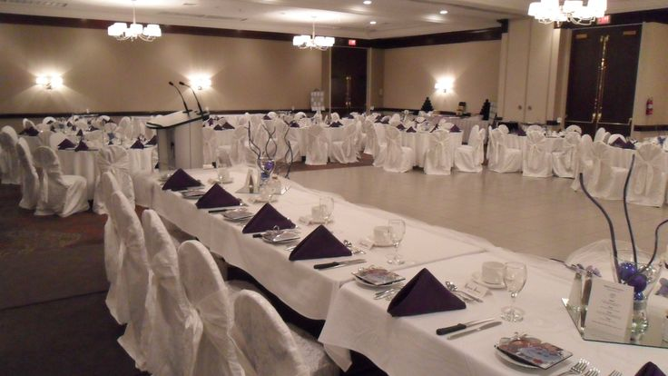 Head Table - Holiday Inn Burlington Hotel & Conference Centre