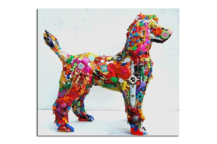 Recycled toys sculpture by Robert BradfordColors, Dogs Art, Buttons, Robert Bradford, Dogs Sculpture, Animal Sculpture, Recycle Toys, Kids Toys, Recycle Art