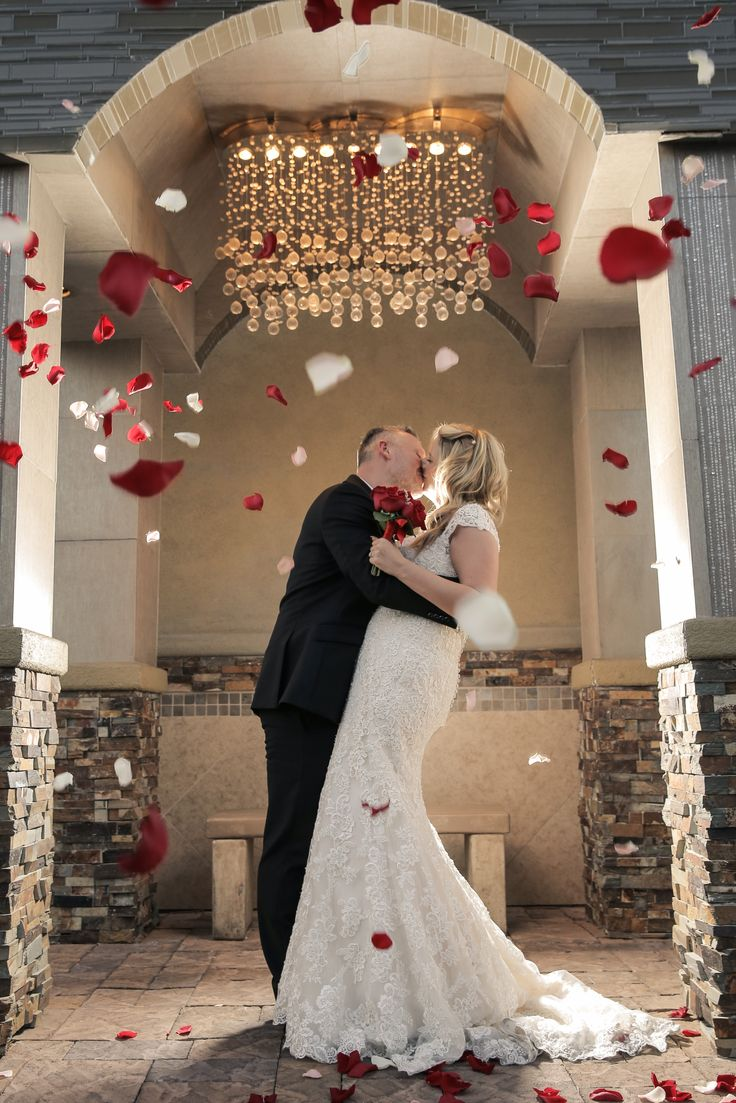 charming and elegant las vegas wedding venue chapel of With elegant wedding venues las vegas