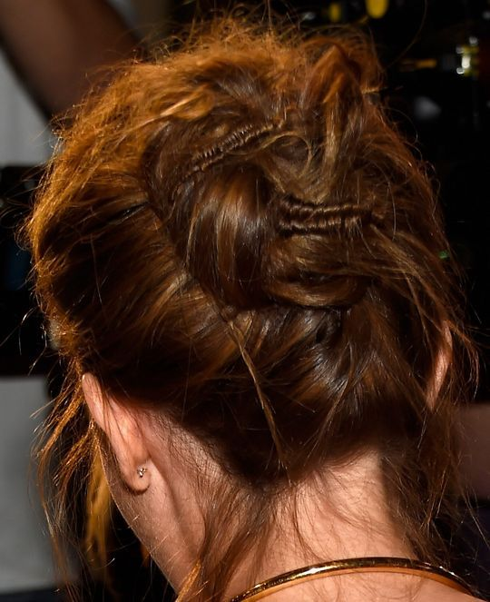 2 Notes to Take About Emma Watson's Seriously Cool Updo @gtl_clothing #getthelook http://gtl.clothing