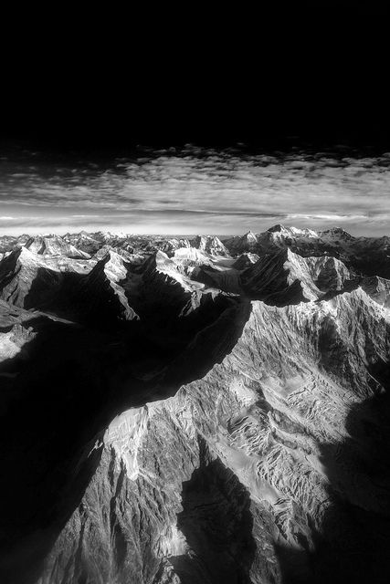 Mt.Everest amongst the Nepalese Himalayas