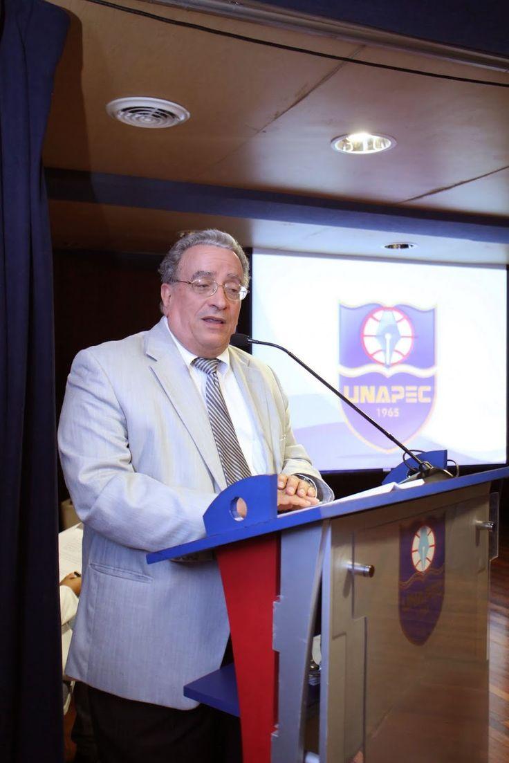 Armario de Noticias: UNAPEC da bienvenida más mil nuevos estudiantes