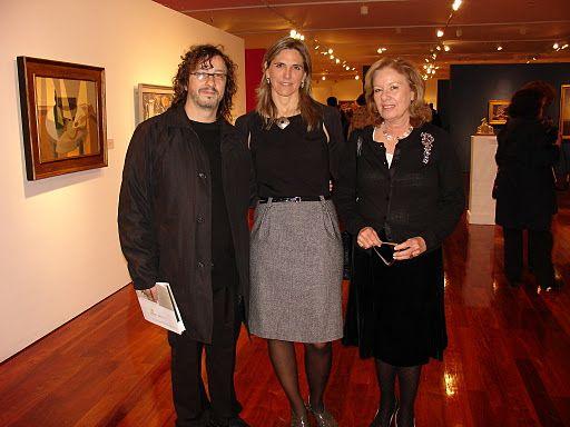 Fernando Farina, del equipo curador de la sala , Virginia Agote y Carolina Llosa de Sturla, Gerente de Cultura y Patrimonio. Foto MIRABAIRES