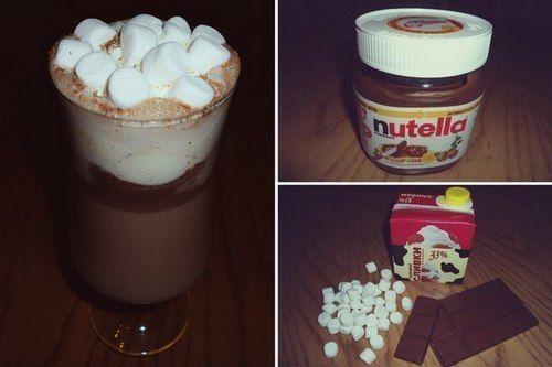 ИНГРЕДИЕНТЫ: молоко 250 мл сливки33% 50 мл паста шоколадная Nutella 2-3 ст.л. шоколад молочный 1/4 ч.л. пудра сахарная маршмеллоу Ароматный горячий шоколад создаст атмосферу уюта, тепла и сладкого блаженства. ПРИГОТОВЛЕНИЕ: В горячем молоке (не...