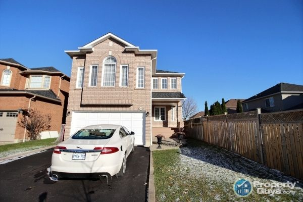 Welcome to 1566 Garland Cres, Pickering, ON.  Stunning 4 bedroom, 4 bathroom property located in one of Pickering's finest communities. Boasting approximately 2800 square feet of living space, plus approximately 1300 square feet in the professionally finished basement, this home features an abundance of high end finishes and upgrades (see list of upgrades below).   The main level with 9 ft ceilings features an updated eat-in kitchen with stainless steel appliances, granite countertops, ce...