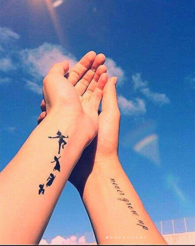 Tattoo Disney Un Peter Pan Pour Les Adulescentspour Tout Ceux Qui Gardent Precieusement Leur Ame D Enfant L Envol De Wen Tattoos Cool Tattoos Trendy Tattoos