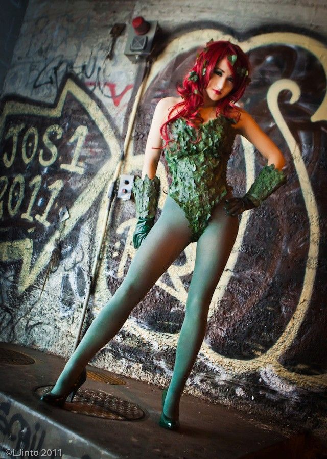 An actually-good Poison Ivy cosplay