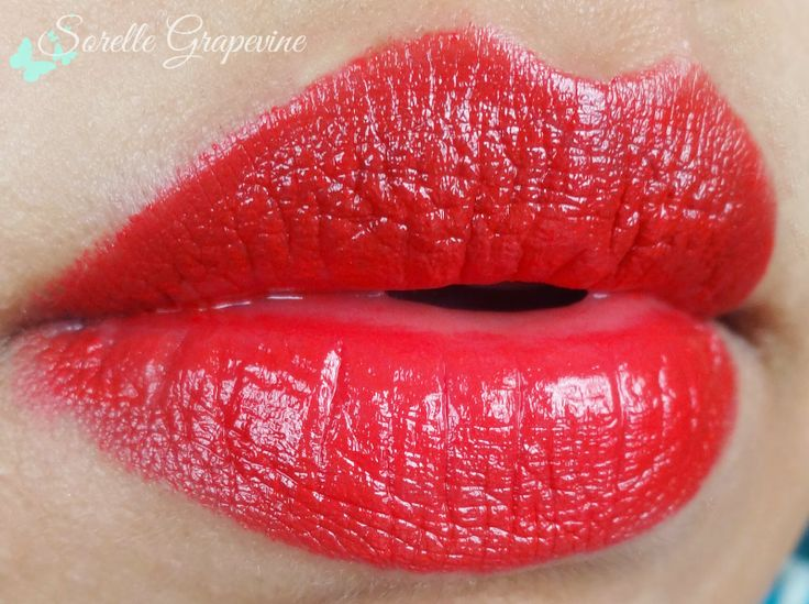 The Body Shop Color Crush Lipstick Red Siren