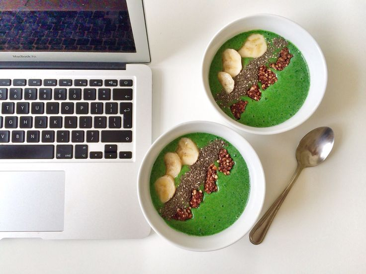 Green smoothie bowls are all the rage! #breakfast #eatclean #health #food