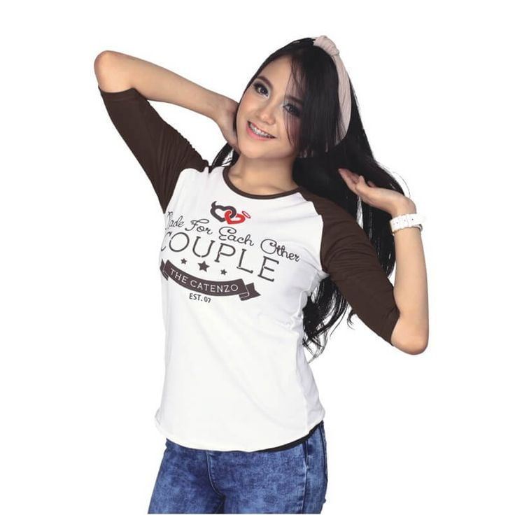 Kaos Distro / T-Shirt Couple Wanita - PS 504. Produk fashion handmade asal Bandung dengan bahan nyaman digunakan, desain trendy dan tidak pasaran. Membuat tampil percaya diri.  Detail Produk:   Ukuran: S - XL  Bahan: COTTON  Warna: PUTIH  Yuk di order, belanja lebih hemat.   #Catenzo #Couple