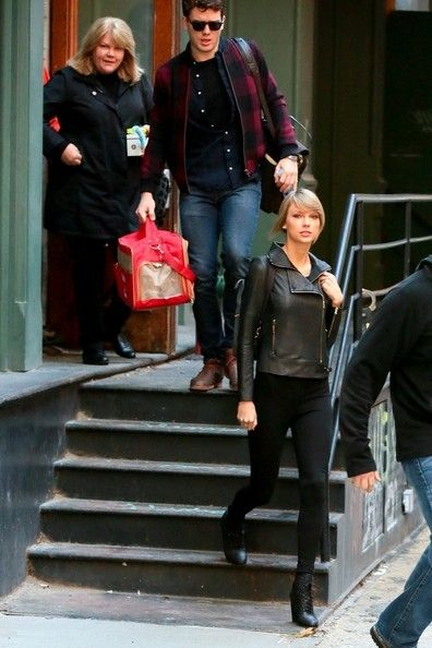Taylor Swift Photos Photos - Austin Swift and Taylor Swift is seen in New York City. - Taylor Swift Out with Her Brother