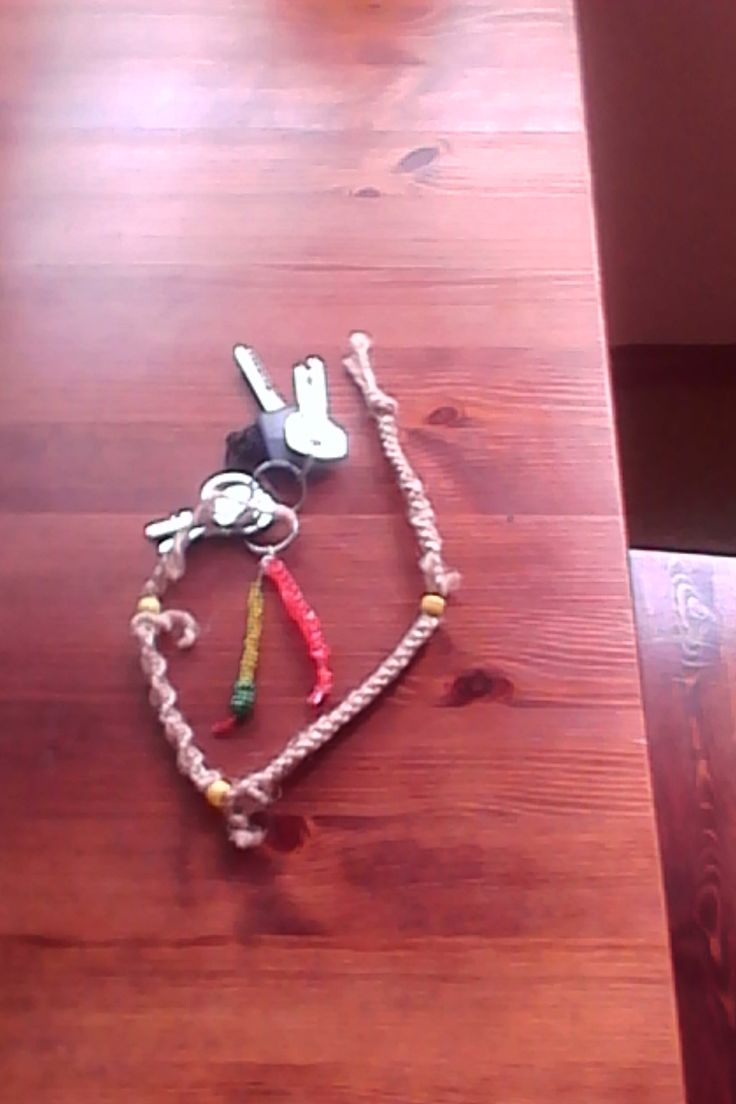 drhání - přívěšek na klíče / macramé - pendant on keys