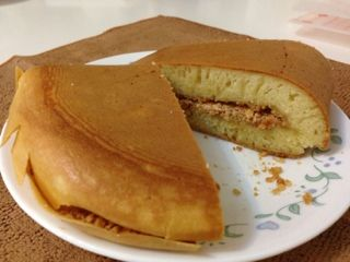 Yield: 4 pieces of pancakes     Ingredients   Pancake 50g warm water, not exceeding 35 degree Celsius 1/2 tsp instant dry yeast     1...