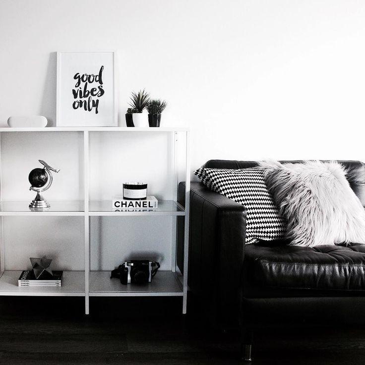 Ikea 'Vittsjö' shelf ist n black & white home