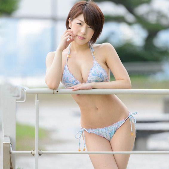 【今日の彼女】 お気に入り水着は「お尻の布が小さくて…」★「白川卯奈」 拡大画像 | web R25