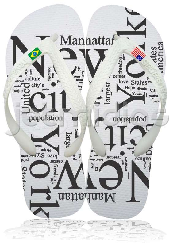 I want these!! Love the 2 different flags on each foot. havaianas #manhattan