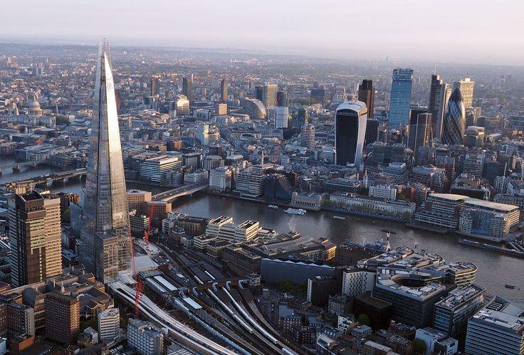 En baisse démographique jusqu'au début du 21e siècle, le pays est désormais dans une phase de croissance assez forte. L'immigration massive en est la principale cause. Avec une répartition très inégalement en faveur du sud-est et de la métropole #Londres, dont l'aire urbaine progresse fortement. #RoyaumeUni #population #démographie
