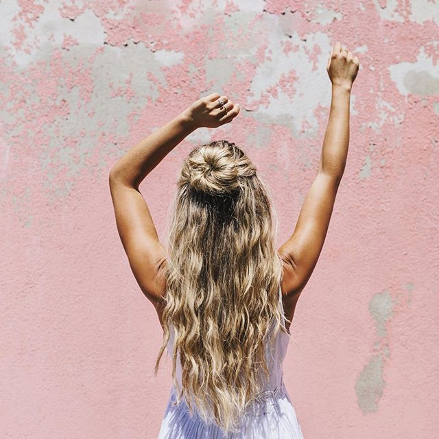 Sun Kissed Skin & Golden Locks thanks to @styledbychristineleblanc  photo by @allisonkuhl