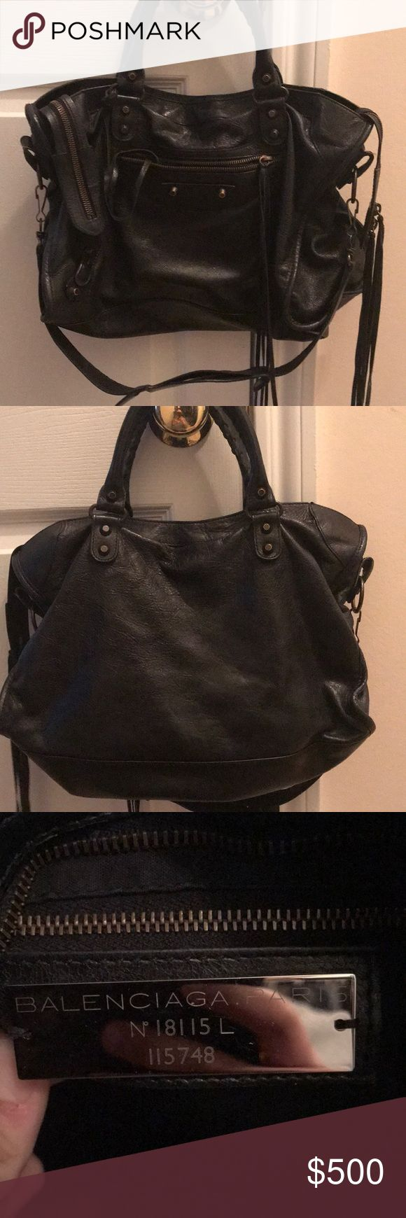 Authentic Balenciaga Moto City Bag 100% authentic and in good condition. Signs of wear include light leather scratches at the top and marks in the interior. Price reflects. Includes shoulder strap and mirror. No dust bag. Balenciaga Bags