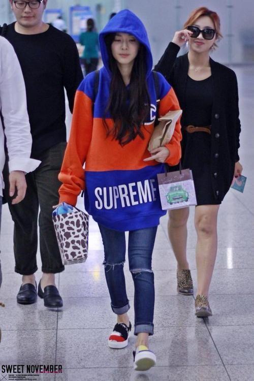2NE1 Dara Leaving to Guangzhou @ Incheon International Airport