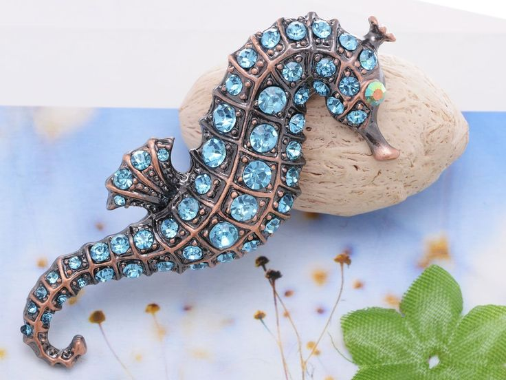 Stunning Synthetic Sapphire Deep Blue Sea Horse Sealife Animal Pin Brooch Costume Pendant: Jewelry: