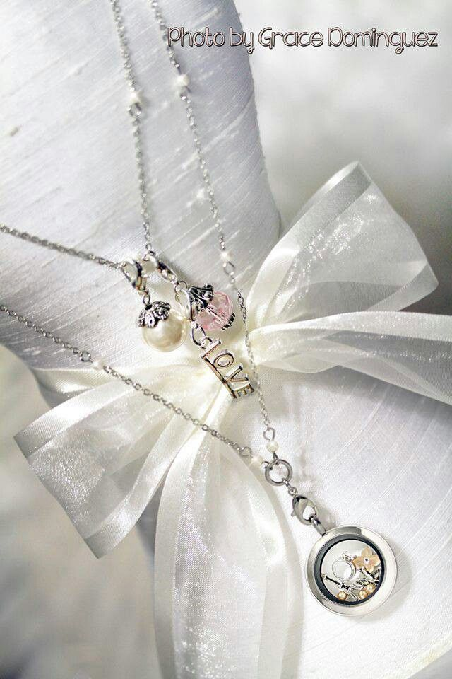 What a beautiful gift South Hill Designs lockets make for a bride. Who do you know that is getting married? www.southhilldesigns.com/cdelarosa