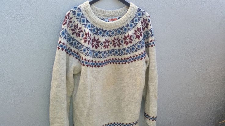 Vintage ALESUND BECONTA NORWAY Handmade Wool Knit Ski Sweater Crew Neck Pullover #FOLDALforBECONTA #Crewneck