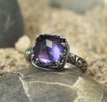Rose Cut Alexandrite Ring in Sterling Silver with Heart Crown Bezel - 8mm Color Shift