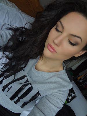 revlon lip butter: peach parfait: Hair Makeup Shoes Accessories, Beautiful Eyebrows, Eyebrows Makeup, Butter Peaches, Everyday Lipsticks, Perfect Peaches, Eyebrows Tattoo, Beautiful Makeup Nails, Revlon Lips Butter