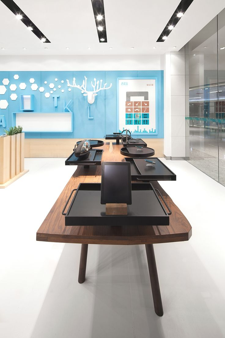 Shanghai-based interior designers and architects Coordination Asia have completed a new breed of telecom stores named AER for AISIDI, one of China's leading resellers of mobile and digital products and services.