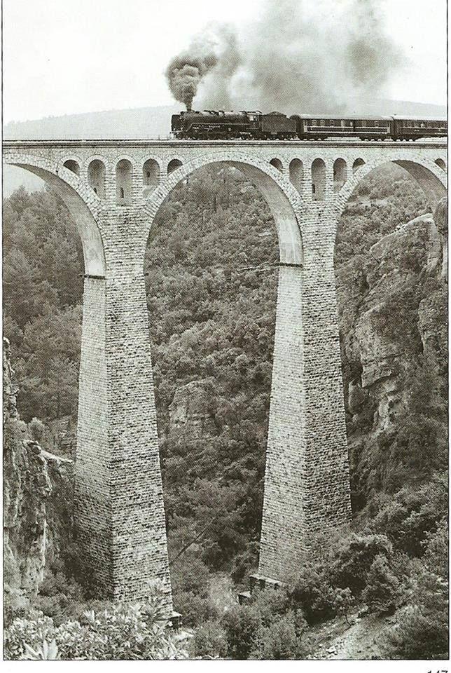 Varda (Alman) köprüsü, Adana, Turkey /* Kargir köprü türünde 3 ana açıklık 4 ana ayak üzerine kuruludur. Uzunluğu 172 m'dir. Yerden orta ayak yüksekliği 99 m'dir. Köprü ayakları çelik mesnet türü olup dış kaplaması taş örme tekniği ile yaplmıştır. Yapım yılı başlangıcı 1907, bitiş tarihi 1912'dir. Köprü ayakları bakımı için dört adet ayağın içinde bakım merdivenleri mevcuttur. --https://tr.wikipedia.org/wiki/Varda_K%C3%B6pr%C3%BCs%C3%BC */