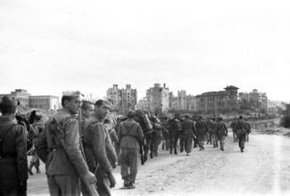 <p> Las primeras tropas de los nacionales entran por la Ciudad Universitaria de Madrid.</p>