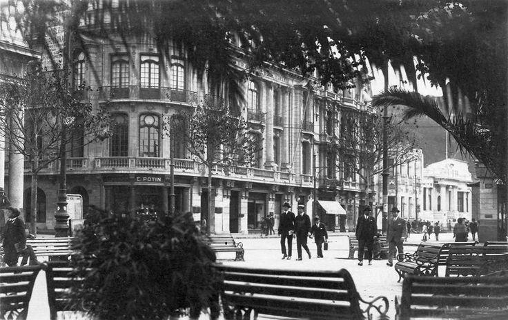 Club Naval visto desde la Plaza Victoria  (c.1930)