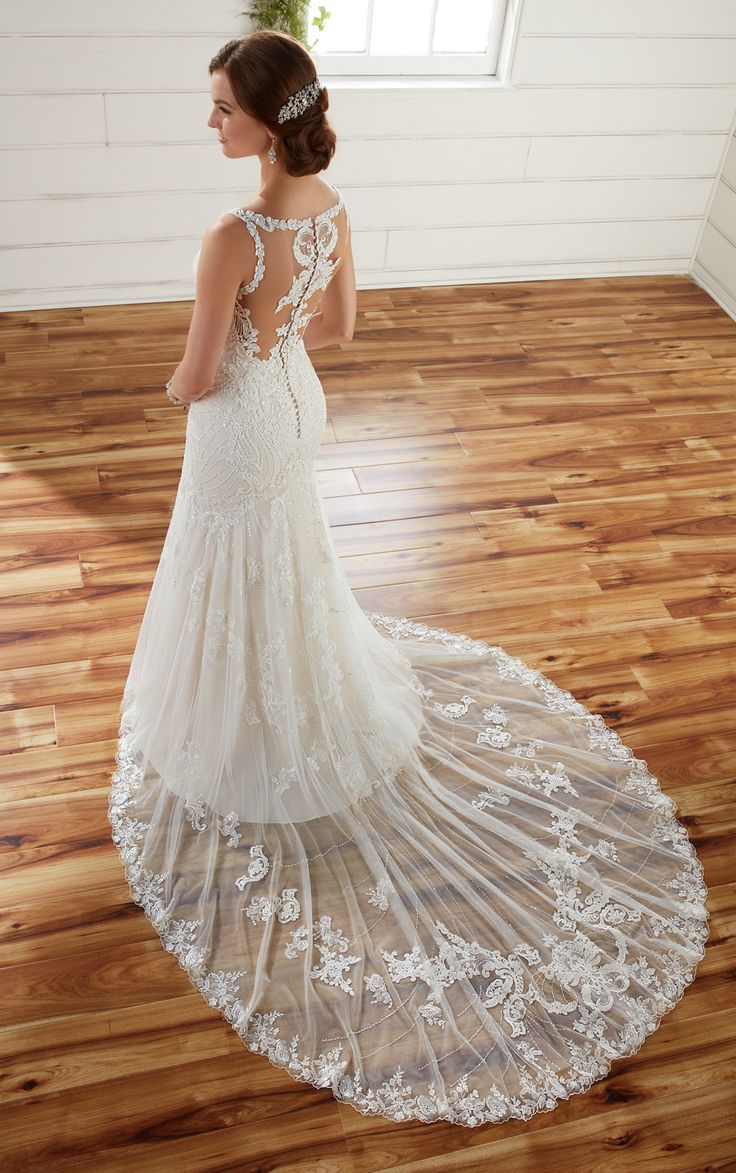 D2208 by Essense of Australia available at Sincerely, The Bride Vancouver, Washington Portland Oregon Metro #sincerelythebride #oregonbride #nwbride #washingtonbride