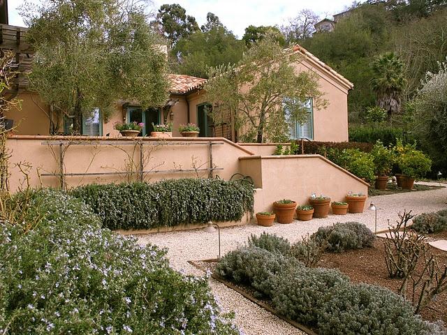 1ca1348d0de7fe7122c99cc5357deb3f  california garden mediterranean garden