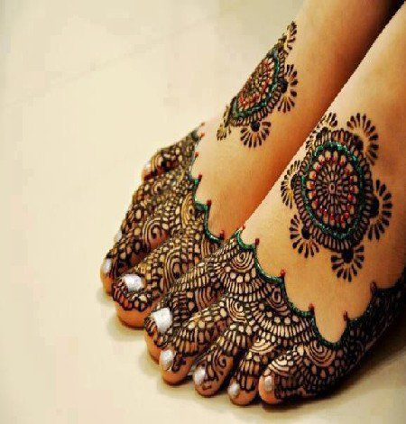 #mehendi #heena #feet #design #bridal #green #glitter