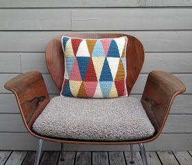 Sols(tr)ikke: Triangles – geometric pillow