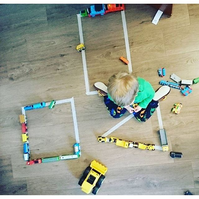 Kids love cars! It's a simple, fun and engaging way to learn shapes!  #toddlerslovetoplay #toddlertoys #toddleractivities #toddlerfun