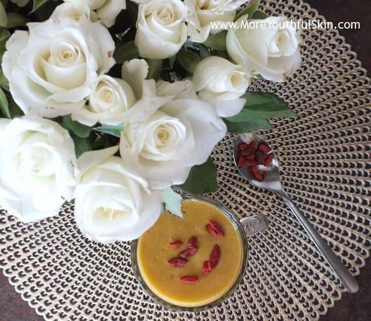 Frullato di matcha - Frullato di matcha – bomba di antiossidanti naturali con clorofilla (tè verde) piena di frutta dolce  Tè matcha fa dimagrire Cari lettori del mio blog, prima di trasmetterVi la ricetta per un frullato, voglio ringraziarVi per la Vostra pazienza. Come sapete, lavoro a tempo pieno come... - http://moreyouthfulskin.com/it/matcha-smoothie/