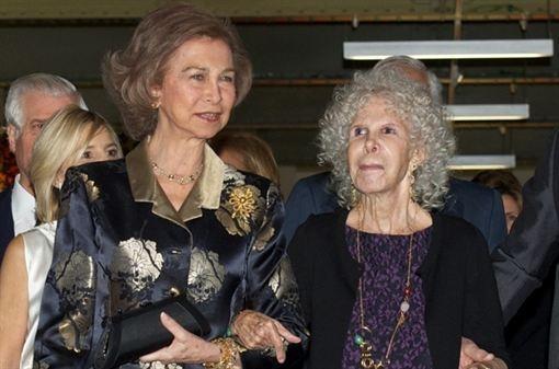 La buena relación de la Reina Sofía con la Duquesa de Alba  www.europapress.es/chance/realeza/noticia-buena-relacion-reina-sofia-duquesa-alba-20130503124307.html
