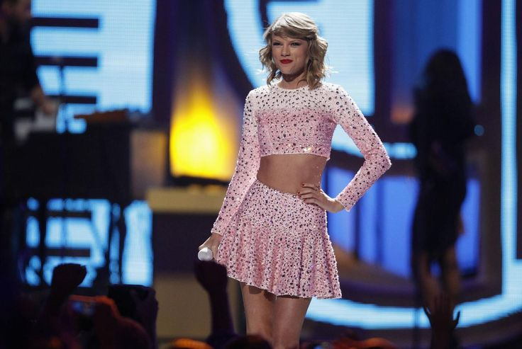 10 reasons we totally love Taylor Swift - http://metro.co.uk/2014/10/02/10-reasons-we-totally-love-taylor-swift-4889121/