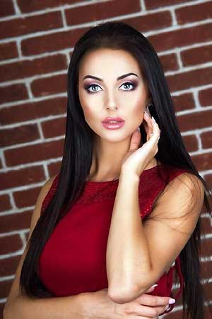Russian dating service for serious foreign men who search for marriage-minded single Russian women and beautiful mail order brides from Ukraine. Russian women in our single women catalogs are honestly searching for the one and only. Russian mail order brides want to meet you!